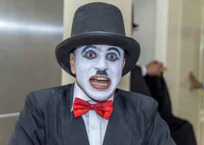 mime show.www.uaecircus.com15